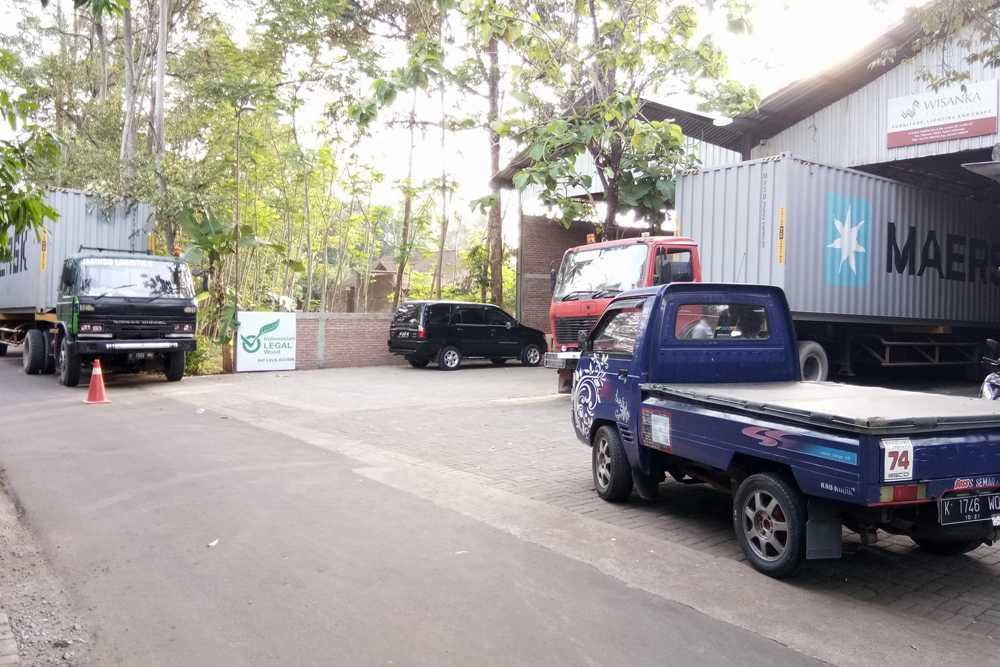 Teak Wood Furniture Manufacturers In Indonesia