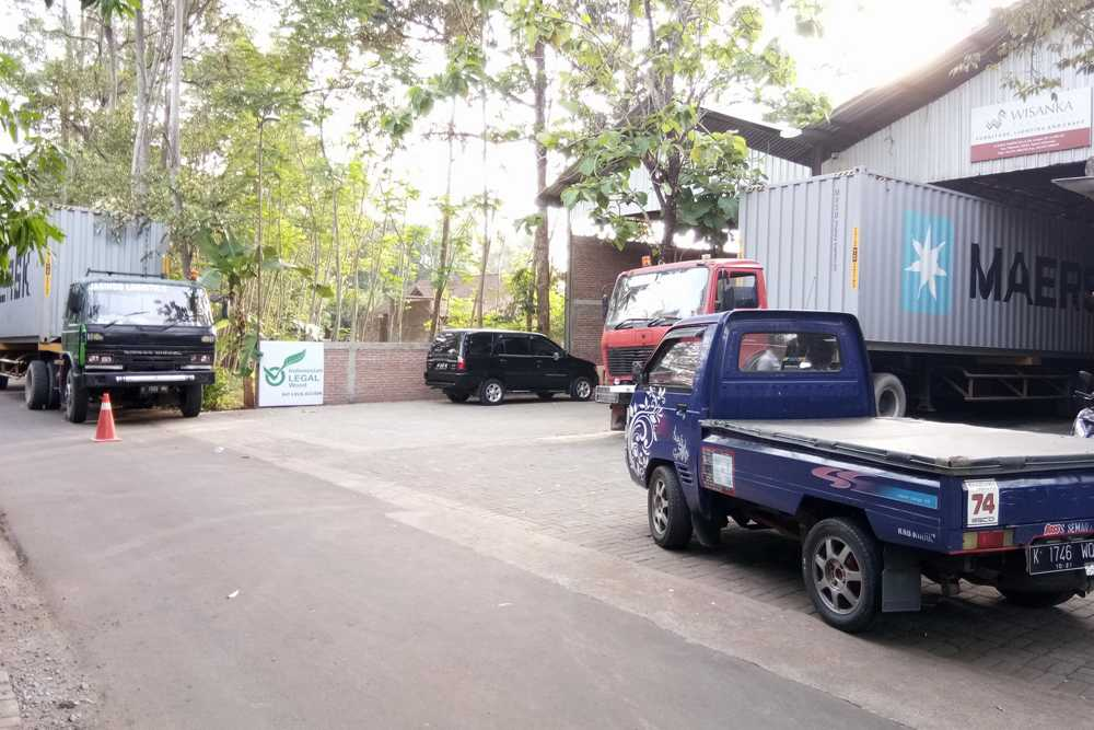 Import Teak Furniture from Indonesia